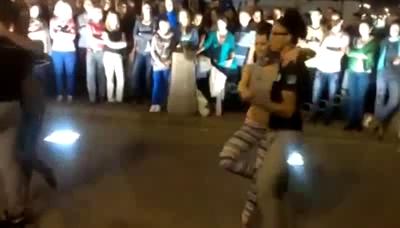 этом завораживающий танец пластичных девушек видео вид одежды прекрасно
