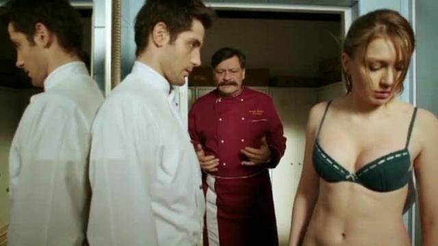porno-nagliy-russkiy-massazhist