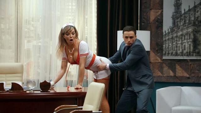seksualnaya-aktrisa-odnazhdi-v-rossii