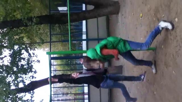 Девочка сняли мальчика телефоны проституток миллерово