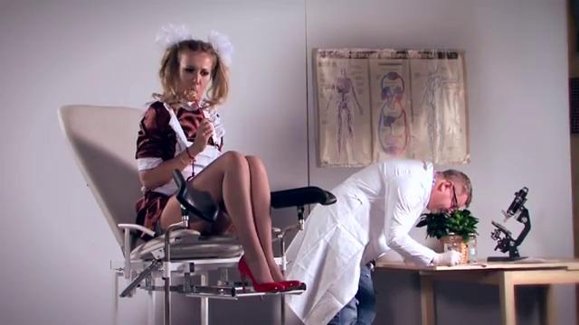 porno-video-podglyadivanie-u-ginekologa-russkoe