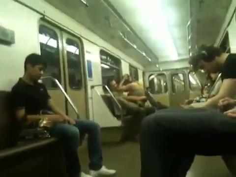 Порно с Азиатками в автобусе и метро