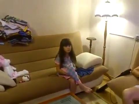 Видео Как напугать ребенка с помощью складок на животе