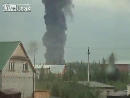 Смотри видео скачай его бесплатно Взорвался склад с боеприпасами